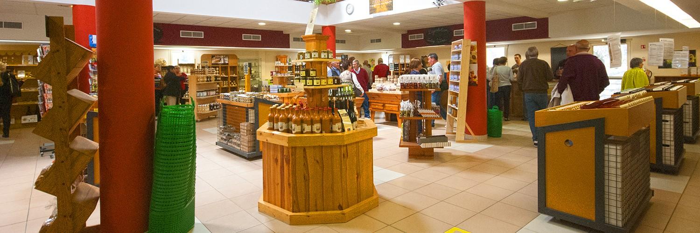 Boutique des produit locaux avec les vins de Rocbères / Terra Vinéa